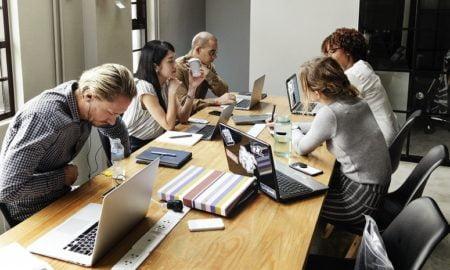 kokous yritys työpaikka työ työelämä