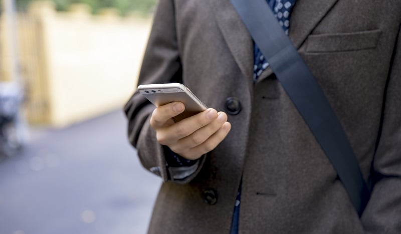 mobiili matkapuhelin puhelu mobiilitunniste talous teleoperaattorit