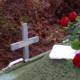 hauta risti kuolema kukat hautajaiset