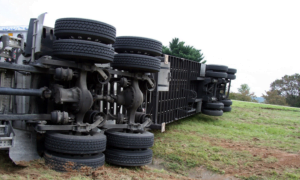 kaatua kaatuminen rekka puoliperävaunu kriisi katastrofi romahdus talous