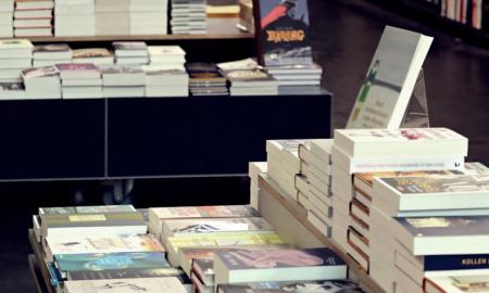 kirjakauppa erikoiskauppa talous kauppa kuluttaja kirjat