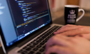 algoritmi tietokone ohjelmointi talous