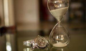 tiimalasi kello aika hajauttaminen sijoittaminen pörssi