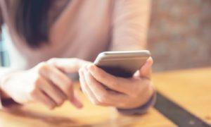 matkapuhelin talous kännykkä