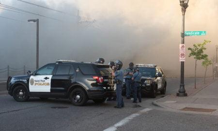 Yhdysvallat poliisi mielenosoitus mellakka levottomuudet