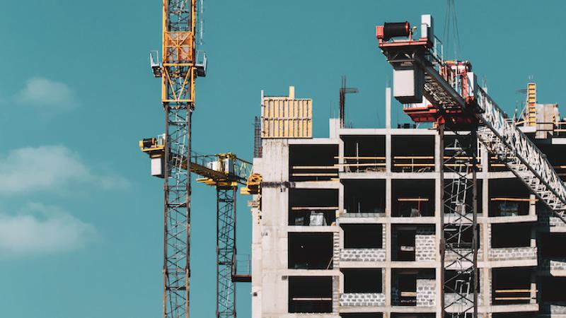 rakentaminen rakennus kerrostalo asuntomarkkinat nosturit talous