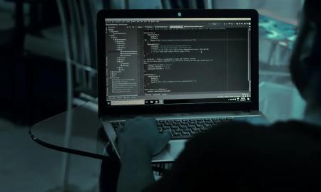 kyberrikollisuus hakkeri tietomurto koodari