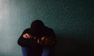 ongelmat rahahuolet ahdinko pettymys köyhyys työttömyys