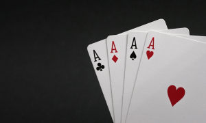 pelikortit ässät tuotto sijoitus