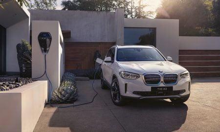 BMW iX3 perheauto auto sähköauto SAV Sports Activity Vehicle