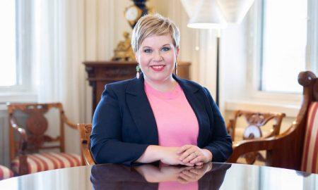 Anneli Saarikko poliitikko valtiovarainministeri keskusta puheenjohtaja